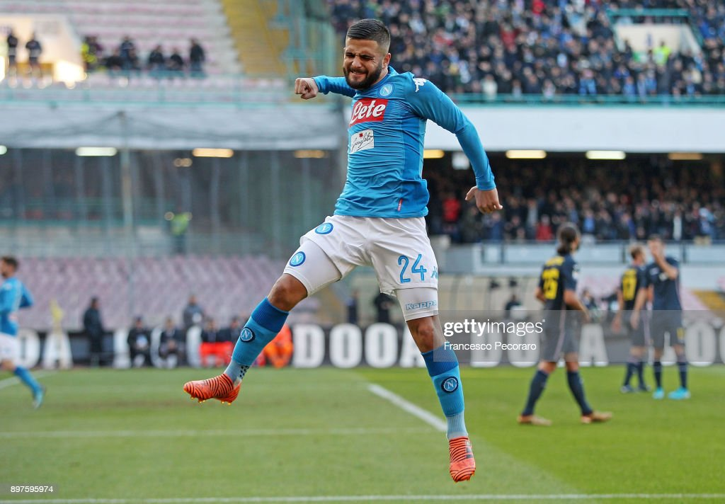 Lorenzo Insigne of SSC Napoli celebrates after scoring the 2-2 goal during the Serie A match between SSC Napoli and UC Sampdoria at Stadio San Paolo on December 23, 2017 in Naples, Italy.