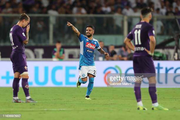 Lorenzo Insigne of SSC Napoli celebrates after scoring the equalizing goal during the Serie A match between ACF Fiorentina and SSC Napoli at Stadio...