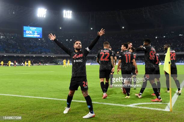Lorenzo Insigne of SSC Napoli celebrates after scoring their side's second goal during the Serie A match between SSC Napoli and Bologna FC at Stadio...