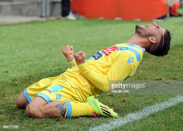 Lorenzo Insigne of SSC Napoli celebrates scoring the second goal during the Serie A match between US Sassuolo Calcio and SSC Napoli on February 16...