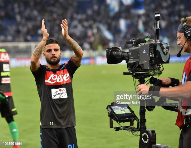 Lorenzo Insigne of SSC Napoli celebrates the victory after the serie A match between SS Lazio and SSC Napoli at Stadio Olimpico on August 18 2018 in...