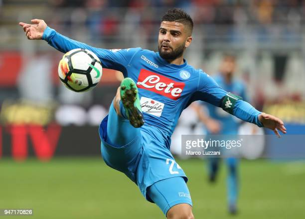 Lorenzo Insigne of SSC Napoli controls the ball during the serie A match between AC Milan and SSC Napoli at Stadio Giuseppe Meazza on April 15 2018...
