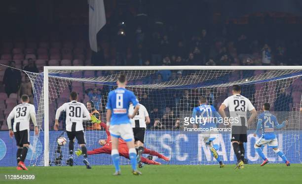 Lorenzo Insigne of SSC Napoli hit the post on penalty kick during the Serie A match between SSC Napoli and Juventus at Stadio San Paolo on March 3...