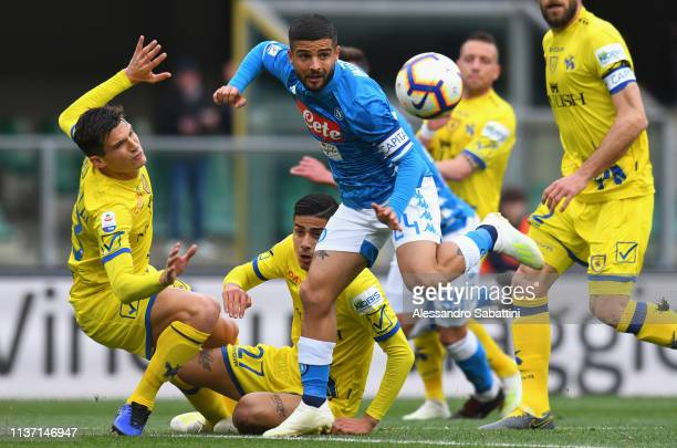 Lorenzo Insigne of SSC Napoli in action during the Serie A match between Chievo Verona and SSC Napoli at Stadio Marc'Antonio Bentegodi on April 14...