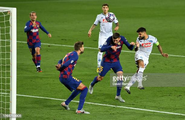 Lorenzo Insigne of SSC Napoli misses a chance during the UEFA Champions League round of 16 second leg match between FC Barcelona and SSC Napoli at...