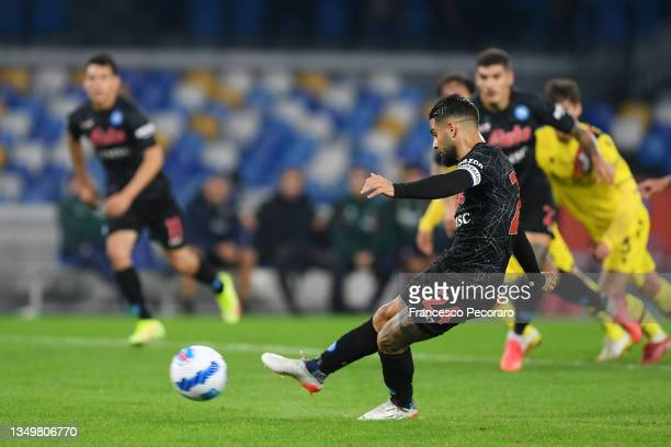 Lorenzo Insigne of SSC Napoli scores their side's second goal from the penalty spot during the Serie A match between SSC Napoli and Bologna FC at...