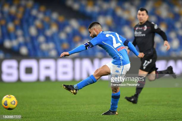 Lorenzo Insigne of SSC Napoli scores their side's third goal during the Serie A match between SSC Napoli and Bologna FC at Stadio Diego Armando...