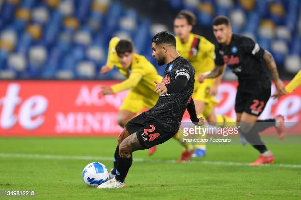 Lorenzo Insigne of SSC Napoli scores their side's third goal from the penalty spot during the Serie A match between SSC Napoli and Bologna FC at...