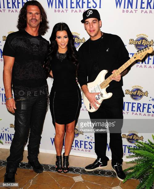 Lorenzo Lamas Kim Kardashian and Robert Kardashian at Council Oak before she heads over to the Winterfest Boat Parade where she will serve as Grand...