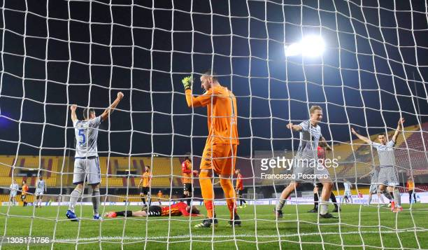 Lorenzo Montipo of Benevento Calcio looks dejected after conceding a goal during the Serie A match between Benevento Calcio and Hellas Verona FC at...