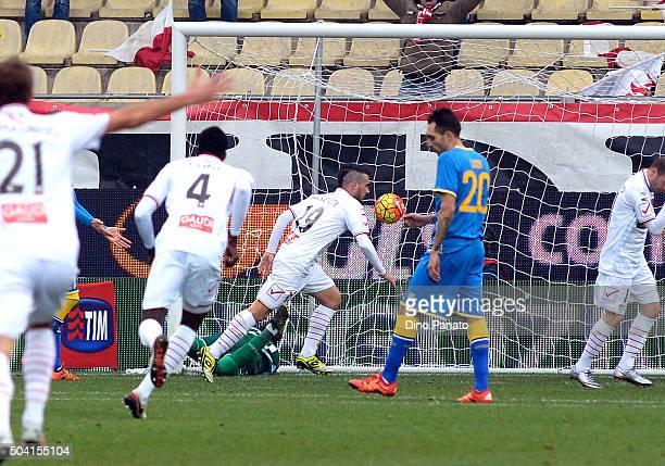 Lorenzo Pasciuti of Carpi FC scores his opening goal during the Serie A match between Carpi FC and Udinese Calcio at Alberto Braglia Stadium on...