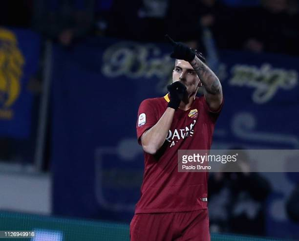 Lorenzo Pellegrini of AS Roma celebrates after scoring the team's second goal during the Serie A match between Frosinone Calcio and AS Roma at Stadio...