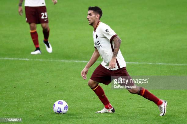 Lorenzo Pellegrini of AS Roma controls the ball during the Serie A match between AC Milan and AS Roma at Stadio Giuseppe Meazza on October 26 2020 in...