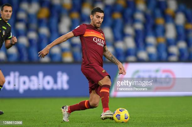 Lorenzo Pellegrini of AS Roma during the Serie A match between SSC Napoli and AS Roma at Stadio San Paolo on November 29, 2020 in Naples, Italy.