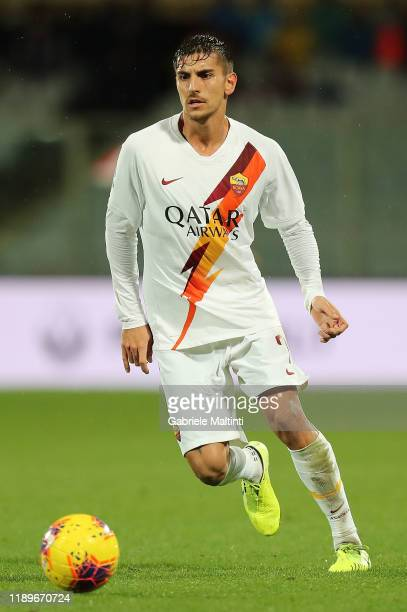 Lorenzo Pellegrini of AS Roma in action during the Serie A match between ACF Fiorentina and AS Roma at Stadio Artemio Franchi on December 22, 2019 in...