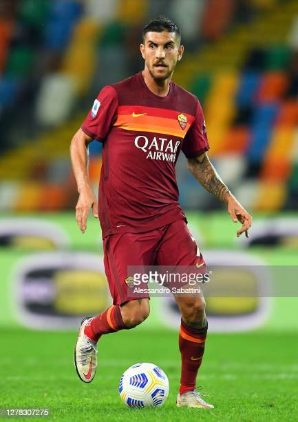 Lorenzo Pellegrini of AS Roma in action during the Serie A match between Udinese Calcio and AS Roma at Dacia Arena on October 03, 2020 in Udine,...