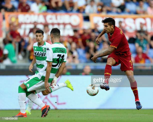 Lorenzo Pellegrini of AS Roma kicks the ball during the Serie A match between AS Roma and US Sassuolo at Stadio Olimpico on September 15, 2019 in...