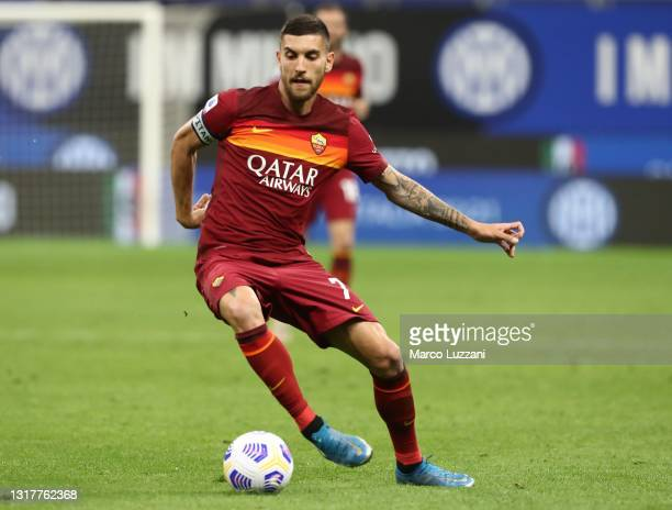 Lorenzo Pellegrini of FC Internazionale in action during the Serie A match between FC Internazionale and AS Roma at Stadio Giuseppe Meazza on May 12,...