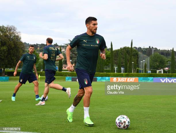 Lorenzo Pellegrini of Italy in action during a Italy training session at Centro Tecnico Federale di Coverciano on June 07, 2021 in Florence, Italy.