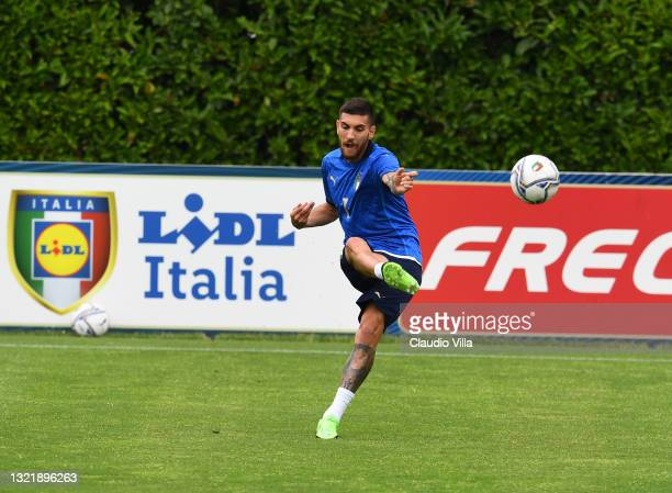 Lorenzo Pellegrini of Italy in action during the friendly match between Italy and Italy U20 at Coverciano on June 05, 2021 in Florence, Italy.