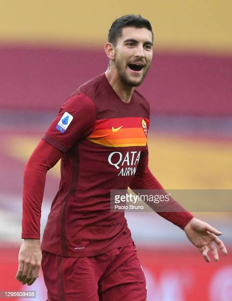 Lorenzo Pellegrini of Roma celebrates after scoring their sides first goal during the Serie A match between AS Roma and FC Internazionale at Stadio...
