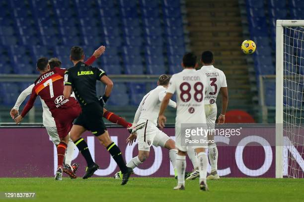 Lorenzo Pellegrini of Roma scores their sides third goal during the Serie A match between AS Roma and Torino FC at Stadio Olimpico on December 17,...