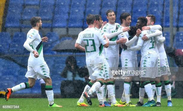 Lorenzo Pellegrini of Sassuolo celebrates with teammates after scoring a goal during the Serie A match between Genoa CFC and US Sassuolo at Stadio...