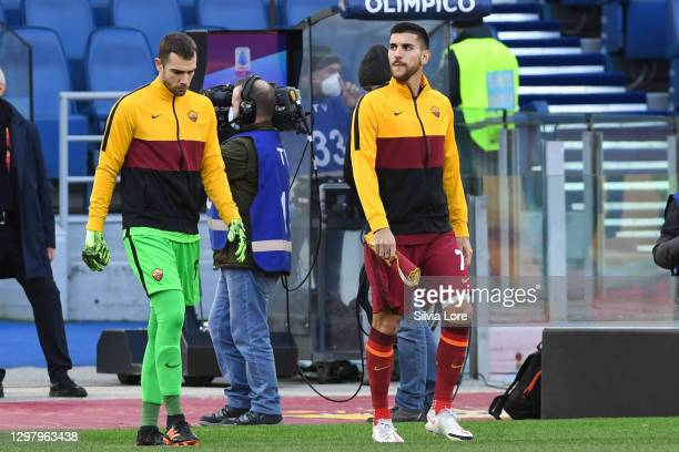 Lorenzo Pellegrini pf AS Roma enters the field with the captain's armband before the Serie A match between AS Roma and Spezia Calcio at Stadio...
