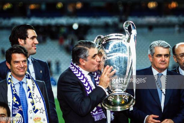 Lorenzo SANZ president of Real Madrid with the trophy during the Champions League Final match between Real Madrid and Valencia at Stade de France...