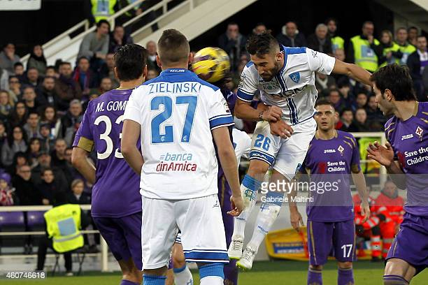 Lorenzo Tonelli of Empoli FC scores a goal during the Serie A match betweeen ACF Fiorentina and Empoli FC at Stadio Artemio Franchi on December 21...