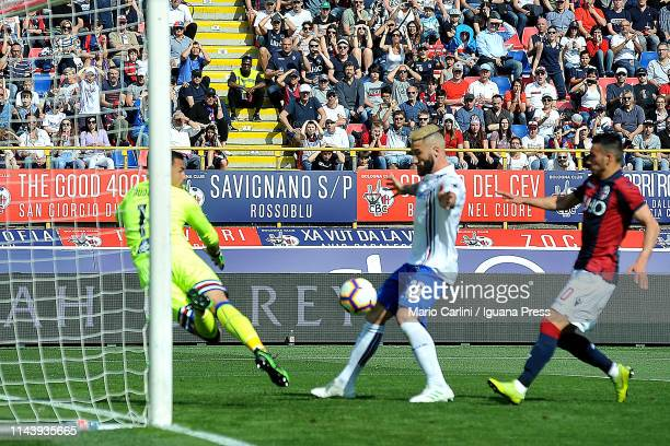 Lorenzo Tonelli of UC Sampdoria scores an own goal during the Serie A match between Bologna FC and UC Sampdoria at Stadio Renato Dall'Ara on April 20...