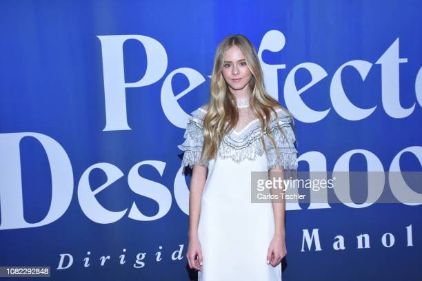 Loreto Peralta poses for photos during a red carpet as part of the film 'Perfectos Desconocidos' premiere at Cinepolis Diana on December 13 2018 in...