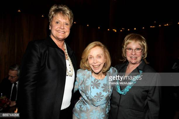 Loretta Anderson Dr Joyce Brothers and Susan Kesselman attend PARADE MAGAZINE and SI Newhouse Jr honor Walter Anderson at The 4 Seasons Grill Room on...