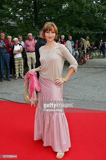 Loretta Stern Bei Der Verleihung Des Brisant Brillant Im Tipi Zelt Am Kanzleramt In Berlin Am 030905