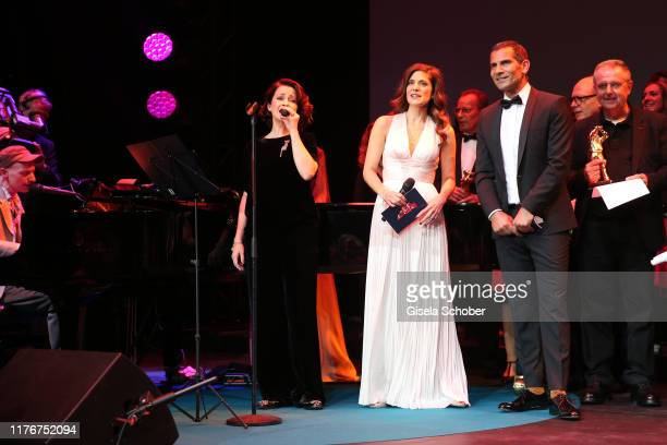 Loretta Stern Mitri Sirin Katty Salie during the Hessian Film and Cinema Award at Alte Oper on October 18 2019 in Frankfurt am Main Germany