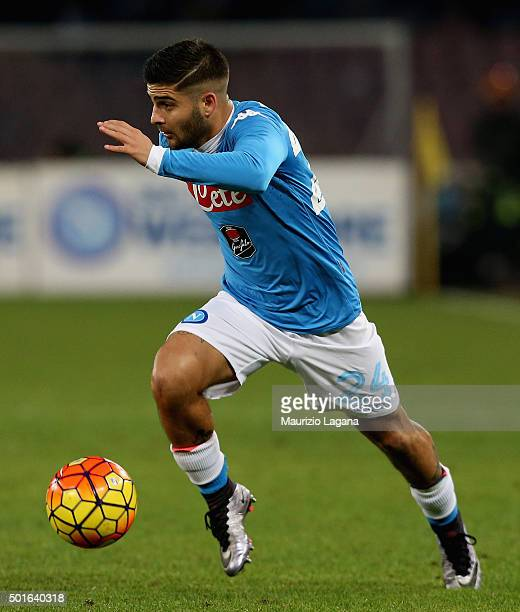 Lorezno Insigne of Napoli during the Serie A match betweeen SSC Napoli and AS Roma at Stadio San Paolo on December 13 2015 in Naples Italy
