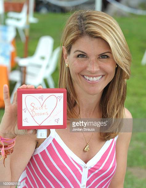 Lori Loughlin participates at the Oopsy daisy Art Booth at Elisabeth Glaser Pediatric Aids Carnival at Wadsworth Theater on June 13 2010 in Los...