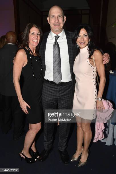 Lori Perlowitz Alan Perlowitz and Anne Diamond attend the Alzheimer's Drug Discovery Foundation's Memories Matter at Pier 60 Chelsea Piers on April...