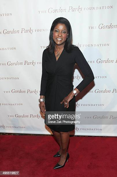 Lori Stokes attends 2014 Gordon Parks Foundation awards dinner at Cipriani Wall Street on June 3 2014 in New York City
