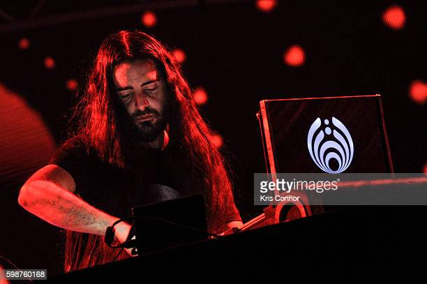 Lorin Ashton aka Bassnectar performs during the 2016 Electric Zoo Festival at Randall's Island on September 2 2016 in New York City