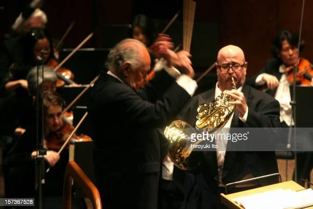 Lorin Maazel conducting the New York Philharmonic at Avery Fisher Hall on Thursday night December 11 2008This imageLorin Maazel conducting the New...