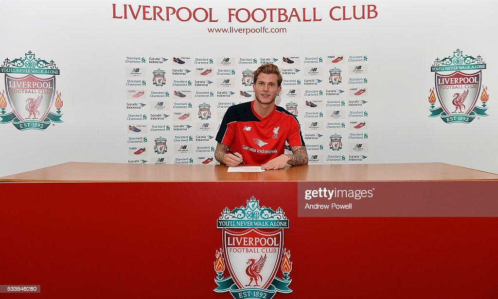 Liverpool Unveil New Goalkeeper Signing Loris Karius : News Photo