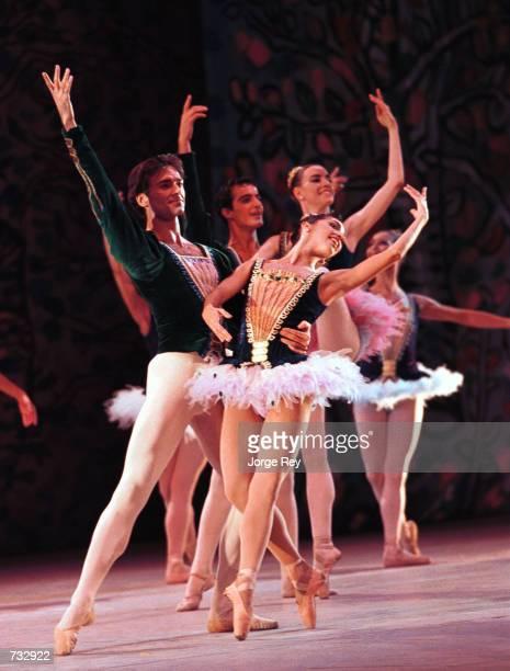 Lorna Feijoo and Oscar Torrado dance Umbral October 20 2000 during the 17th Havana International Festival of Ballet at the Grand Theatre in Havana...