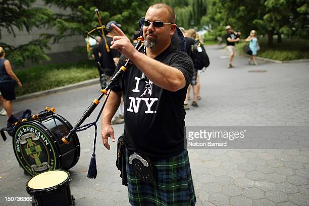 Lorne Cousin 'Scottish Piper to the Stars' and William Grant Ambassador recruits friends and family for a pipeband flash mob in celebration of Lady...