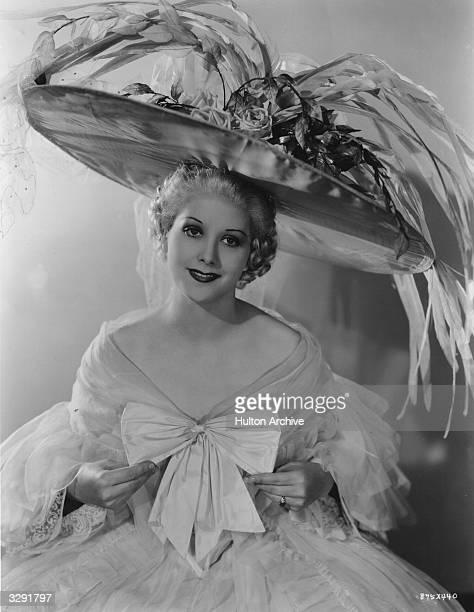 Lorraine Bannister stars in the film 'The Great Ziegfeld' a biopic of the Broadway impresario Florenz Ziegfeld directed by Robert Z Leonard for MGM