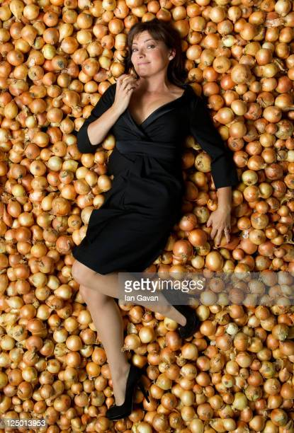 Lorraine Kelly unveils that the humble onion gives the most pleasure per penny following new research from Sainsbury's 'Live Well For Less' index on...
