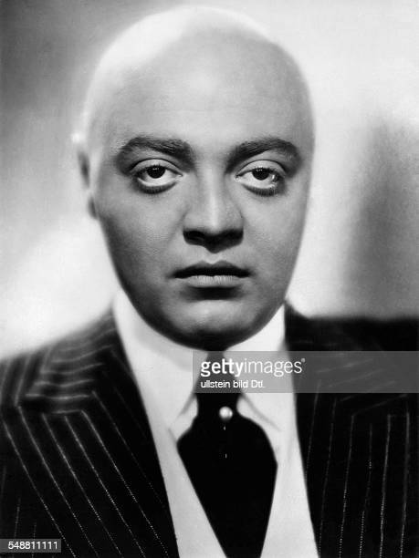 Lorre Peter Actor Germany * Role picture from the movie 'Der weisse Daemon' in the role as Buckliger Directed by Kurt Gerron Germany 1932 Produced by...