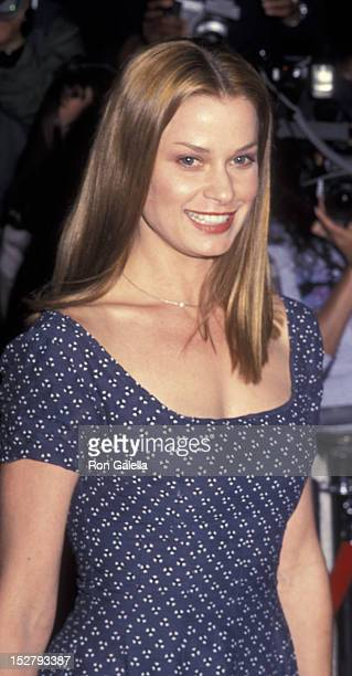 Lorri Bagley attends the premiere of Nurse Betty on September 6 2000 at Loew's East Cinema in New York City