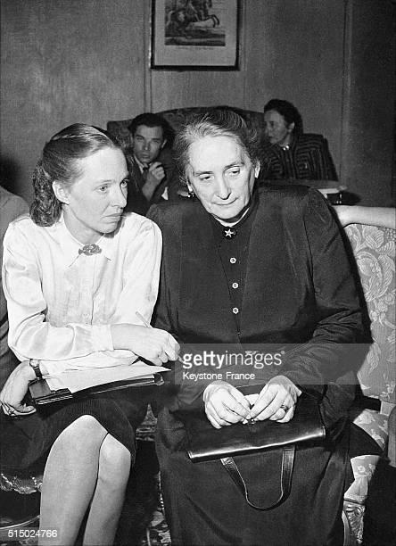 Lors du Congrès des femmes démocratiques à Stockholm Suède en 1947 MarieClaude VaillantCouturier secrétaire générale de la Fédération des Femmes...