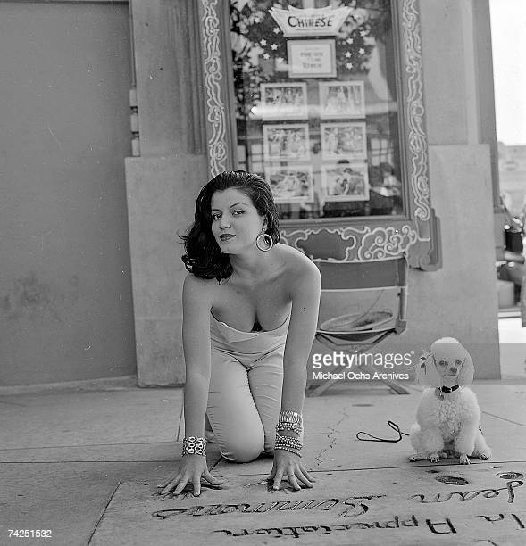 Los Angeles 035 c MOA Hollywood Chinese Theater Joan Bradshaw 981957 Photo by Michael Ochs Archives/Getty Images